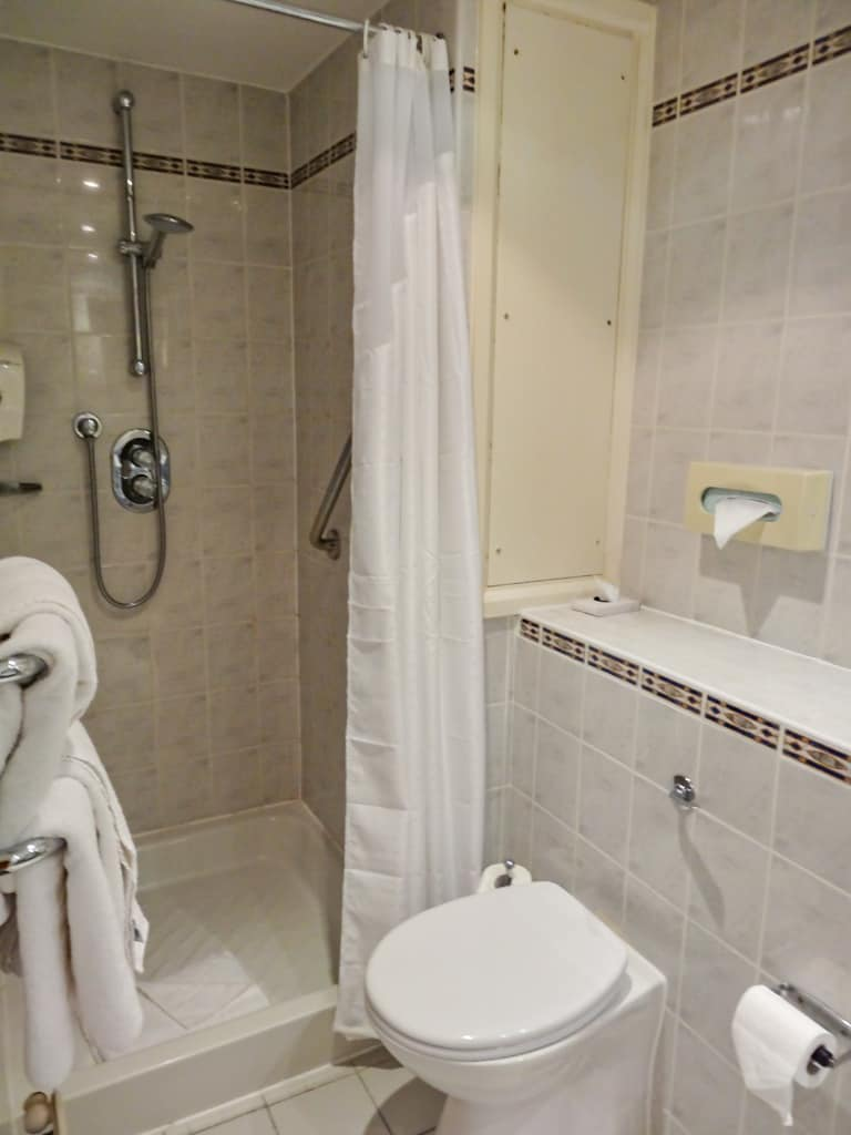 The bathroom at the Holiday Inn Express Victoria London