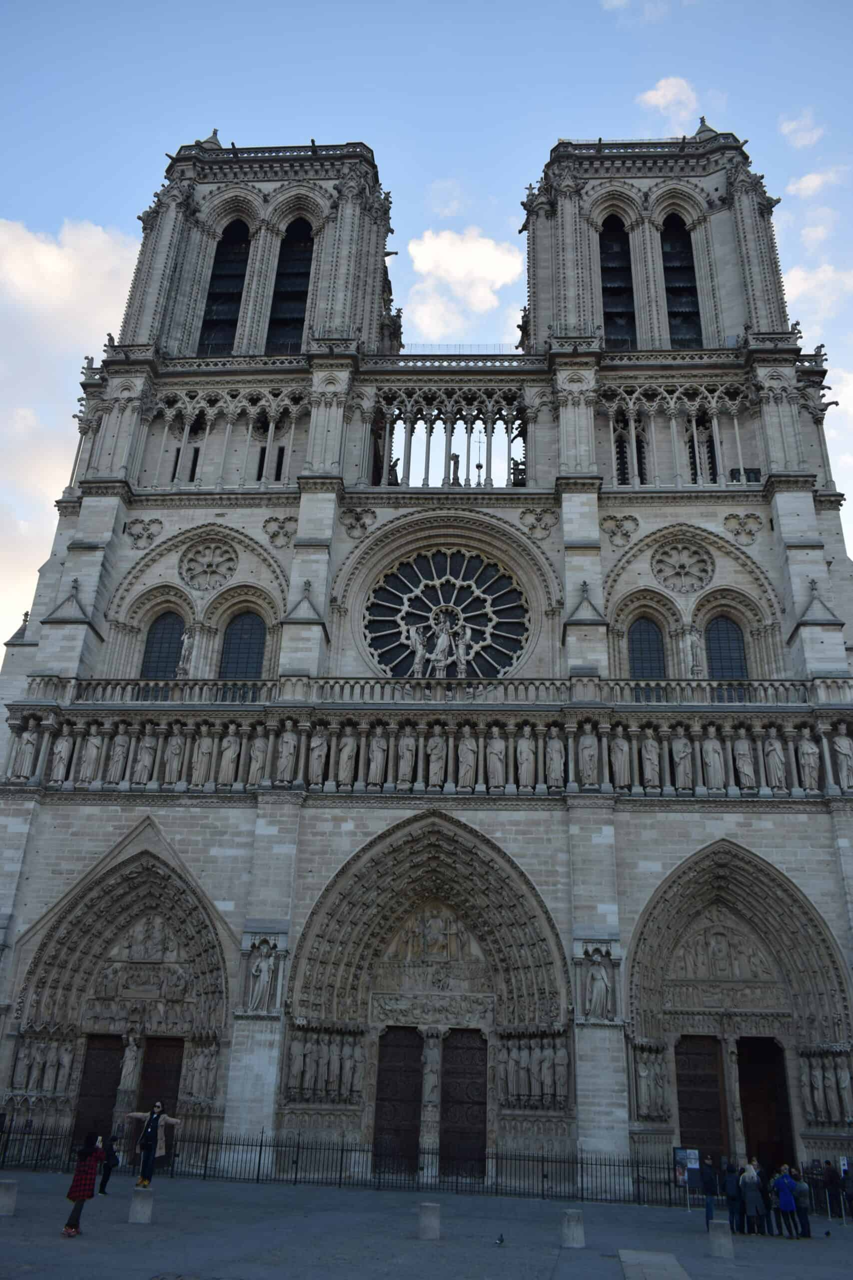 Free audio walking tour of Paris - Notre Dame Cathedral