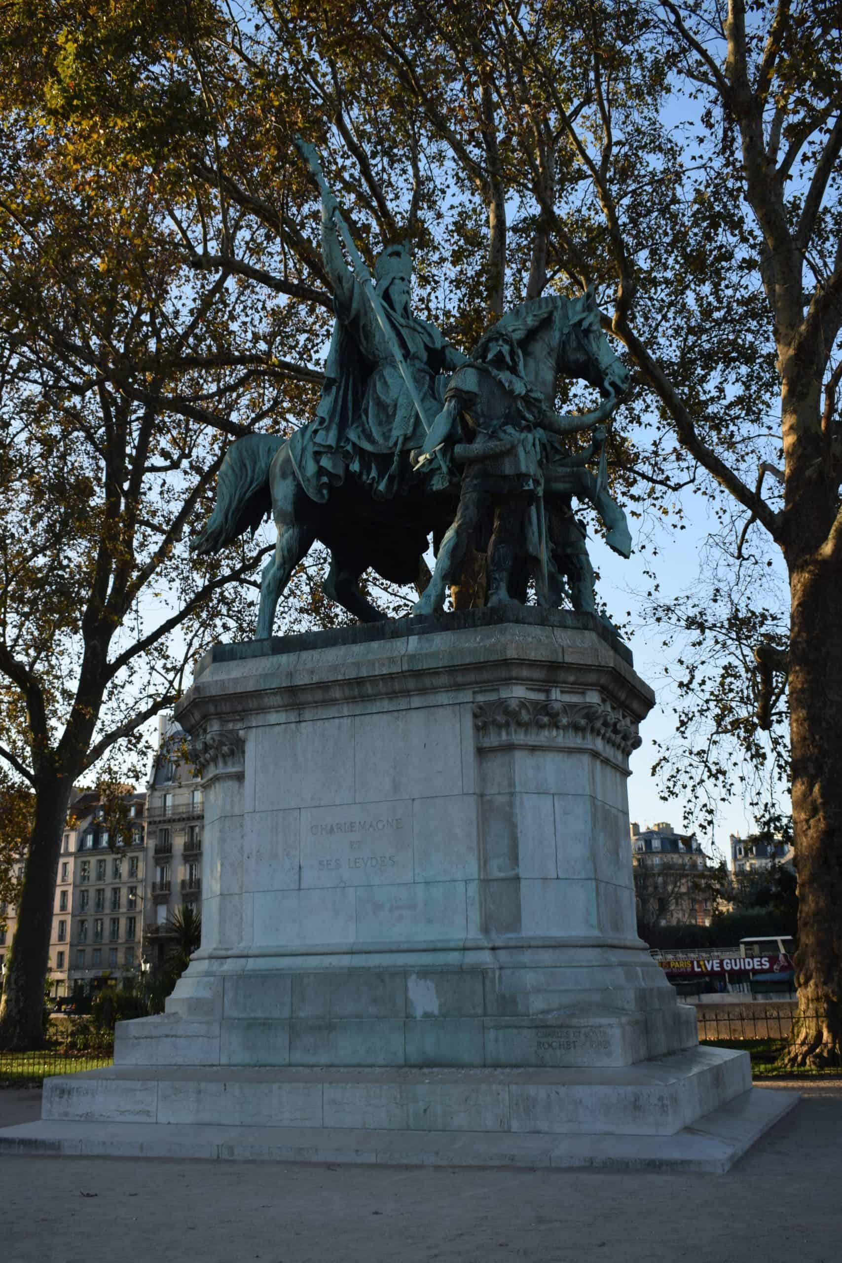 Statue of Charlemagne and His Guards - free audio walking tour of Paris